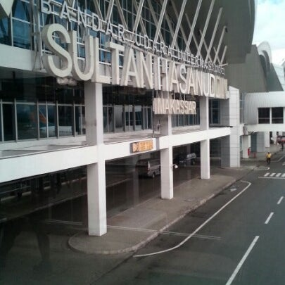 Photo taken at Sultan Hasanuddin International Airport (UPG) by Rahmadi on 1/30/2013