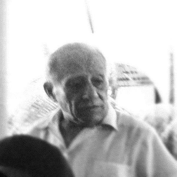 Foto tomada en Bar latino por Victor S. el 10/19/2012