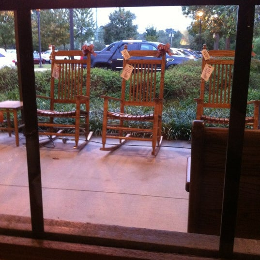Photo taken at Cracker Barrel by Wendell F. on 10/8/2012