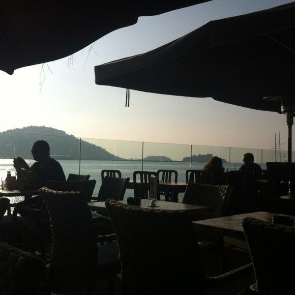 1/2/2013 tarihinde Ece Ö.ziyaretçi tarafından Cafe Marin'de çekilen fotoğraf