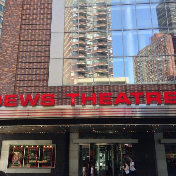 Снимок сделан в AMC Loews Lincoln Square 13 пользователем Christopher C. 7/2/2013