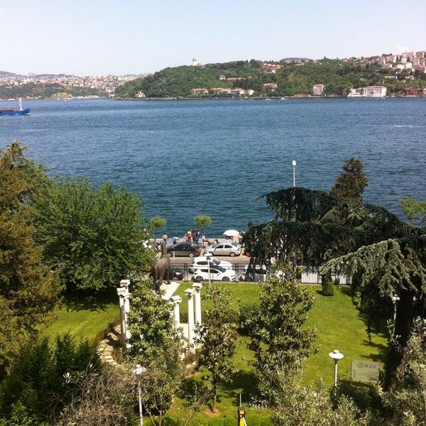 Das Foto wurde bei Sakıp Sabancı Müzesi von Emine am 5/19/2013 aufgenommen