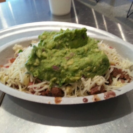 Photo taken at Chipotle Mexican Grill by Sait Mesutcan I. on 12/15/2012