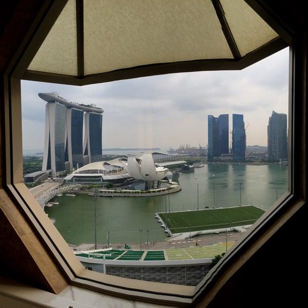 Photo taken at The Ritz-Carlton Millenia Singapore by gerard t. on 9/26/2015