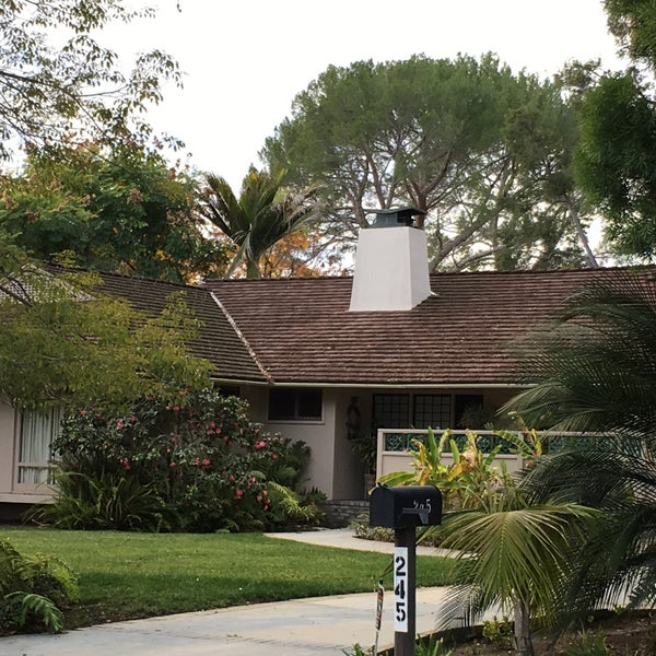 The Golden Girls House Historic Site In Los Angeles