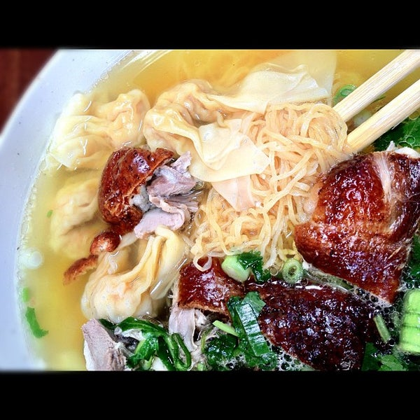Photo taken at Teo Chow Noodle Shack by Johnny W. on 9/15/2012