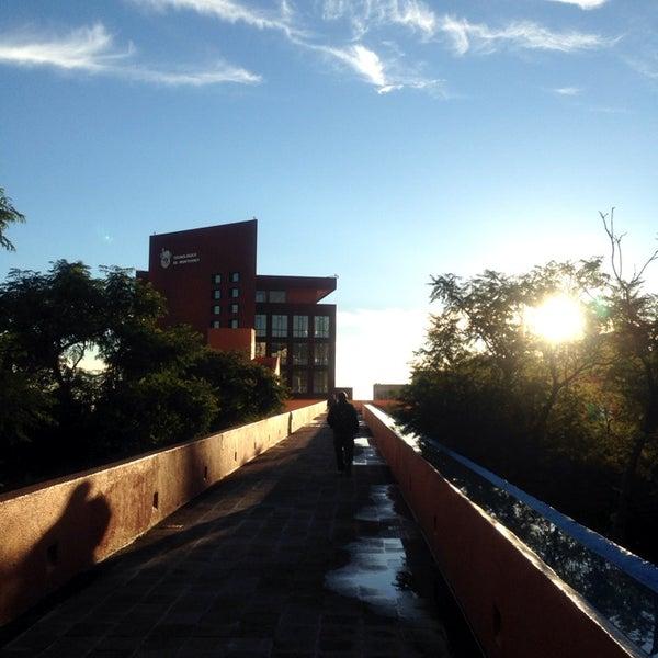 Foto tomada en Tecnológico de Monterrey por W@LLS el 9/27/2013