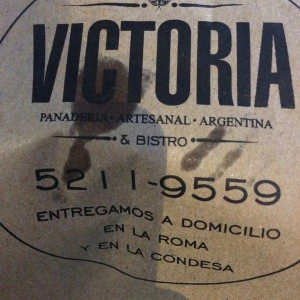 Foto tomada en Panaderia La Victoria por Ceci T. el 2/22/2015