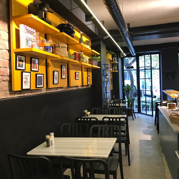 11/2/2016 tarihinde Süreyya G.ziyaretçi tarafından Manuel Deli & Coffee'de çekilen fotoğraf