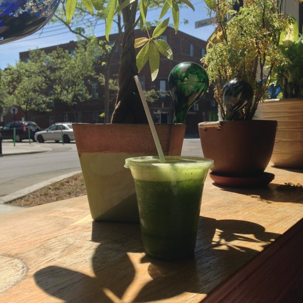 The best green smoothie and mint lemonade in town. So refreshing. Delicious!