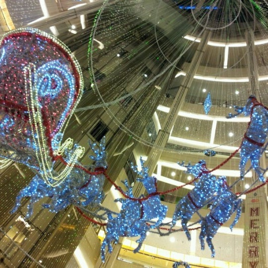 Photo taken at Pacific Place by Varia L. on 12/30/2012