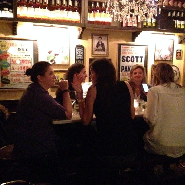 Photo taken at Vanguard Wine Bar by Stefan M. on 1/11/2014