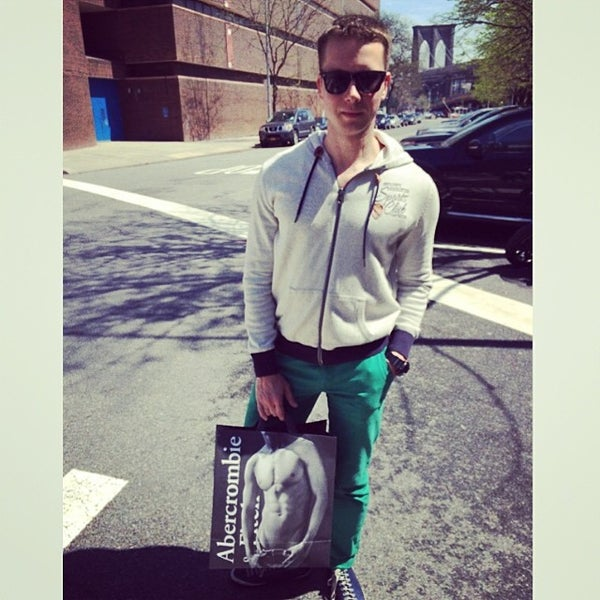 Photo taken at Abercrombie & Fitch by Stanny S. on 5/1/2014