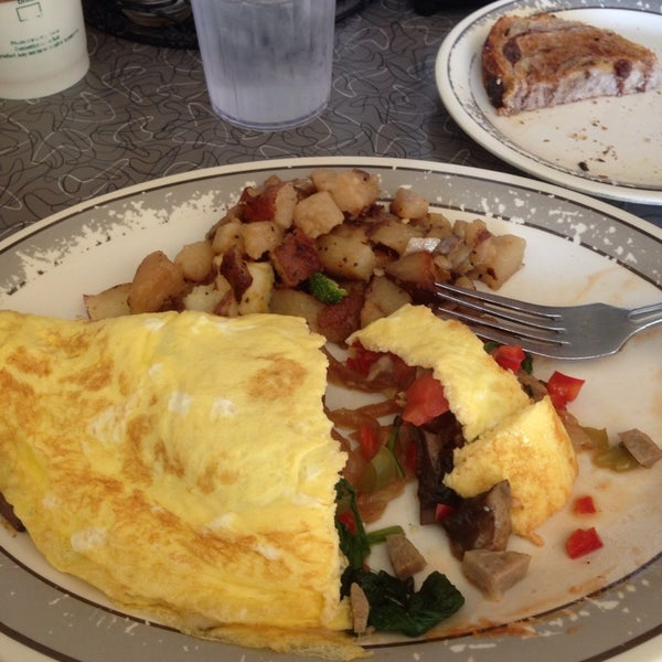 Photo taken at Fred's Breakfast by Andrea C. on 9/23/2014