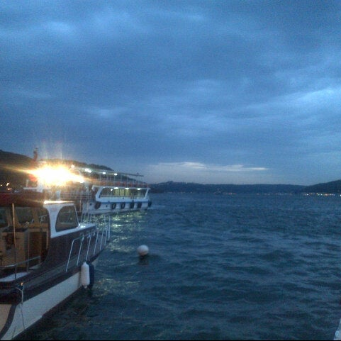 10/28/2012 tarihinde Gizem B.ziyaretçi tarafından Çapari Restaurant'de çekilen fotoğraf