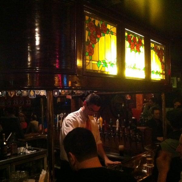 Foto tomada en Hurley's Irish Pub por Olivier M. el 11/16/2013