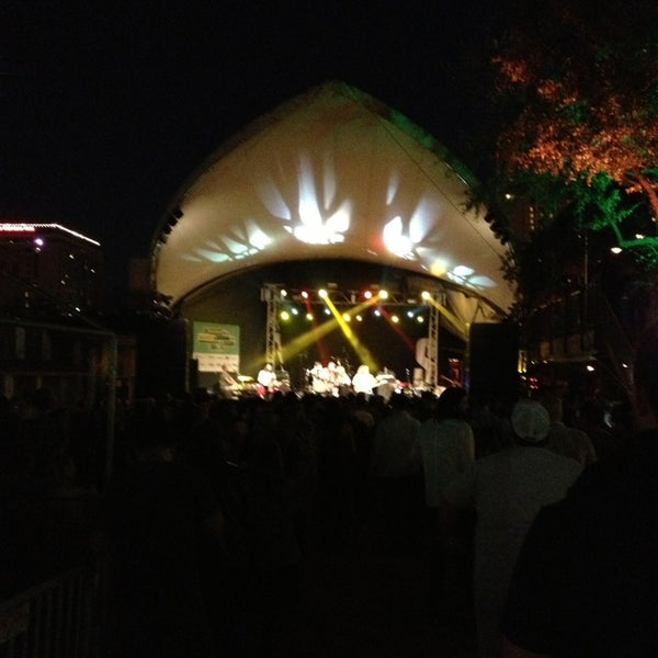 Photo taken at Stubb's Bar-B-Q by Cheryl R. on 3/16/2013