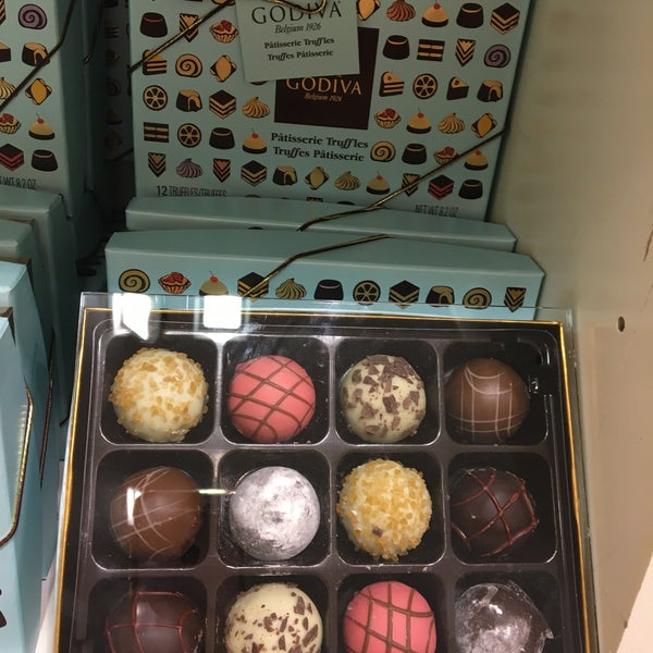 Photo taken at Godiva Chocolatier by Marissa on 7/22/2017