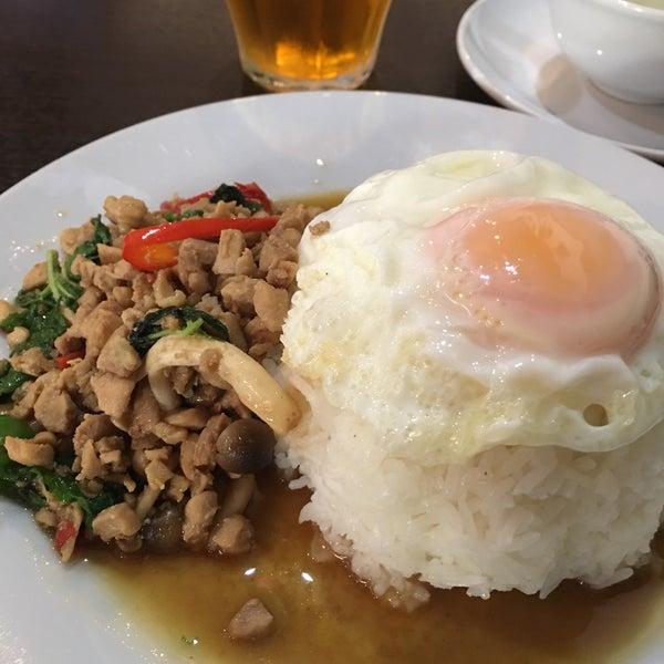 10/26/2016にtake0aが立川タイ料理レストラン バーンチャーンで撮った写真