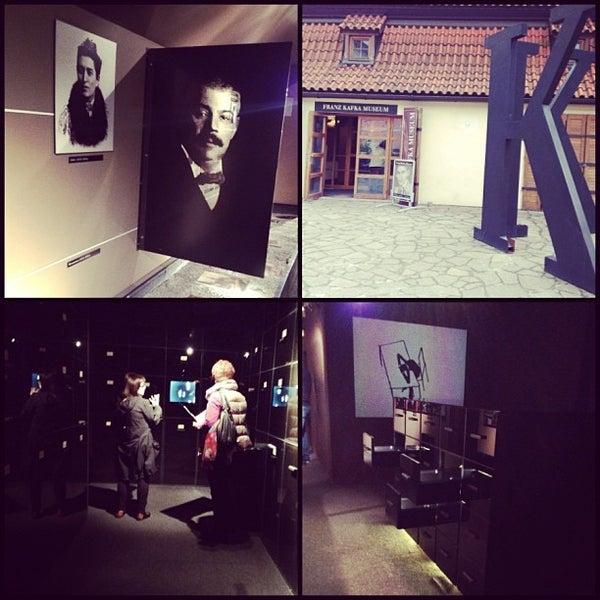 4/20/2013 tarihinde Dasha R.ziyaretçi tarafından Franz Kafka Museum'de çekilen fotoğraf