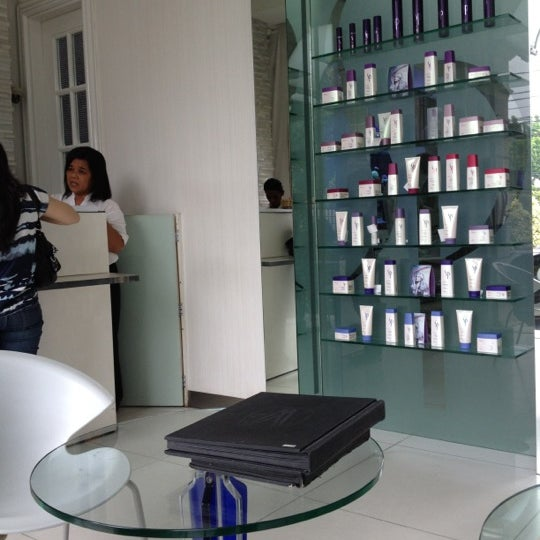 Photos at W2 Salon - Menteng - 3 tips from 134 visitors