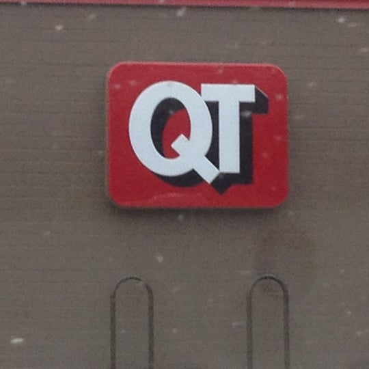 Photo taken at QuikTrip by Kym H. on 12/26/2012