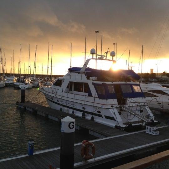 Foto tirada no(a) Porto de Recreio de Oeiras por Alfredo F. em 12/13/2012