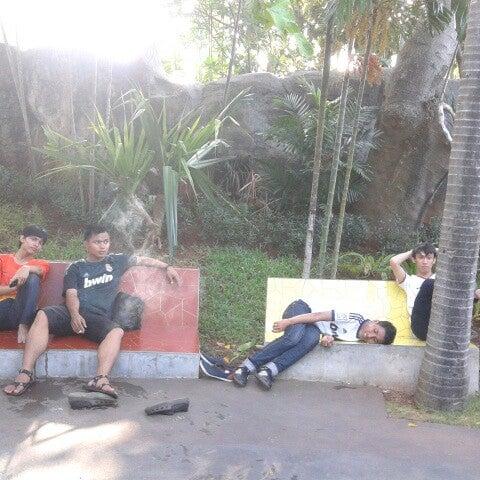 Foto scattata a Wahana Arung Jeram (River Raft Ride) da Faisal H. il 11/17/2012