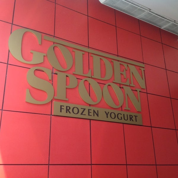 Photo taken at Golden Spoon by Jade V. on 2/8/2013