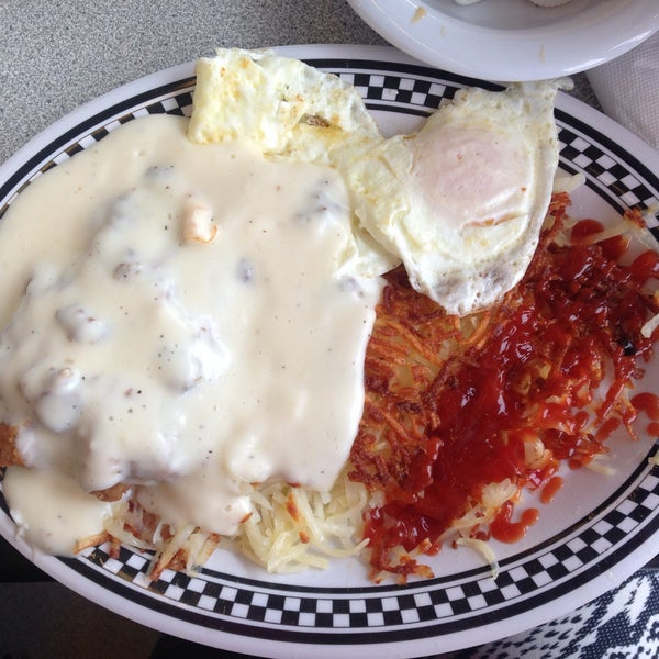Photo taken at Courtesy Diner by Inessa L. on 3/1/2015