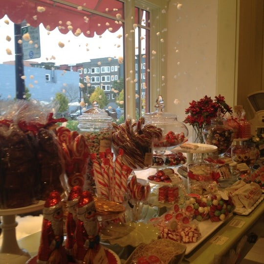 Photo taken at Miette Patisserie by Mesi V. on 12/17/2012