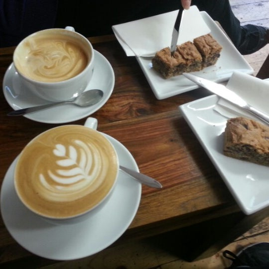 Photo taken at 108 Coffee House by Kęstutis A. on 9/15/2012