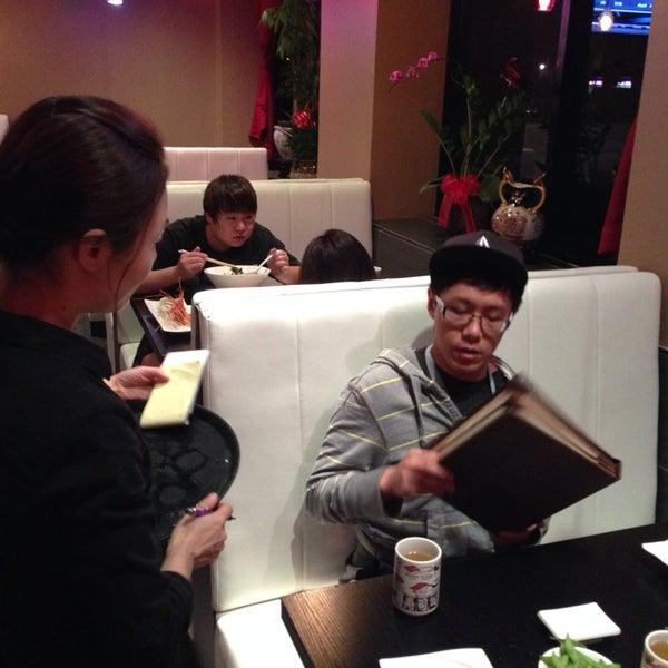 Photo prise au Sushi Delight par Song Z. le9/26/2013
