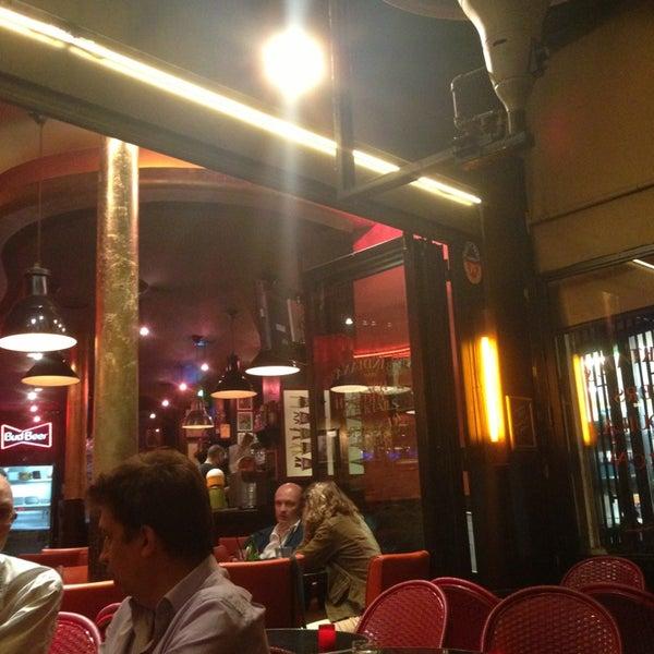 Photo taken at Indiana Café – République by Nicolas G. on 7/15/2013