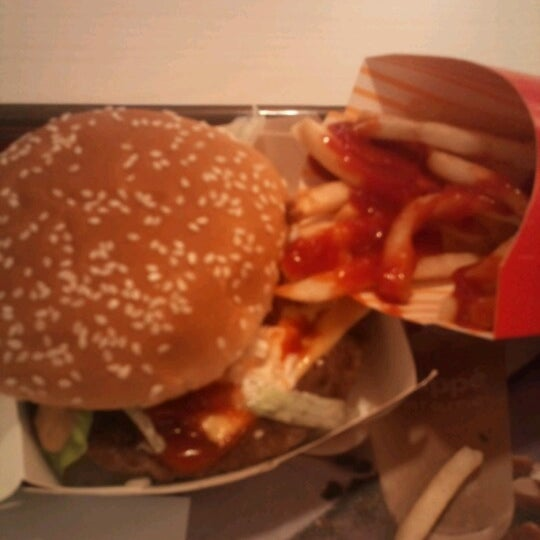 Photo taken at McDonald's by Claudia Yadira O. on 4/9/2013