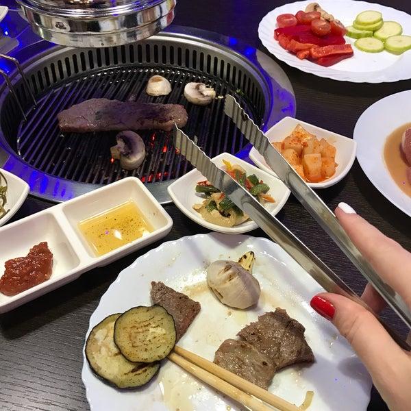 Снимок сделан в Korean BBQ гриль пользователем 🐰 12/11/2016