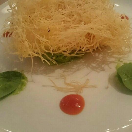 Photo taken at do eat by Juliya V. on 1/27/2016
