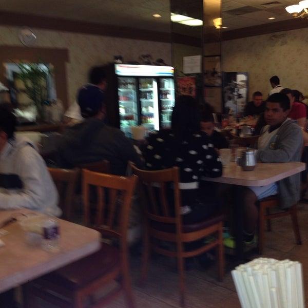 Photo taken at Pho 777 Vietnamese Restaurant by Joel B. on 2/2/2014