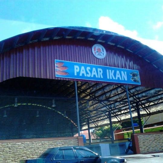 Pasar ikan fish market in papar sabah for Fresh fish market houston