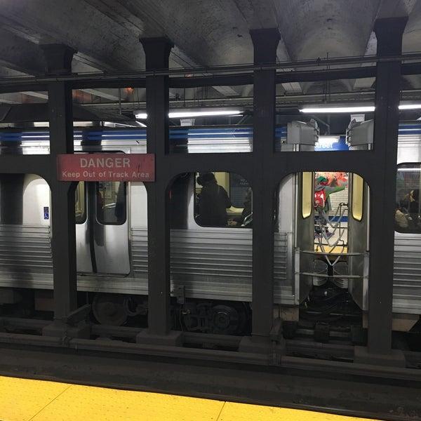 Photo taken at SEPTA MFL/TRL 15th Street Station by Charles M. on 12/23/2016
