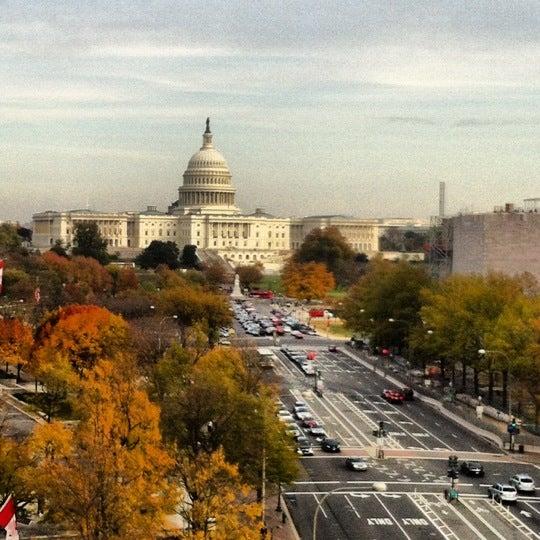 Foto tirada no(a) Newseum por Michele R. em 11/10/2012