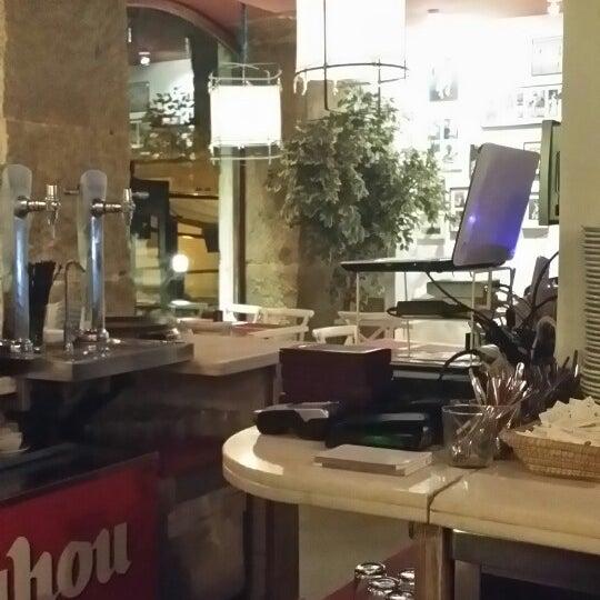 Foto tomada en a.n.E.l. Tapas & Lounge Bar por Jordan A. el 1/17/2014
