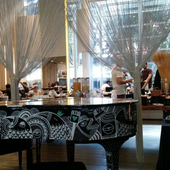 Foto tirada no(a) HUB-Food Art & Lounge por Leandro B. em 6/13/2015