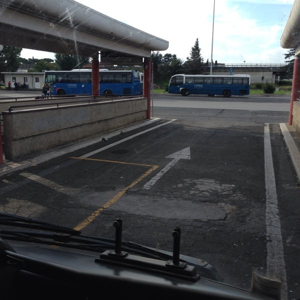 Foto scattata a Terminal Bus Anagnina da Elvis M. il 11/9/2013