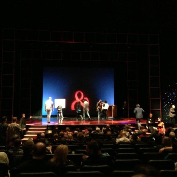 Foto tomada en Penn & Teller Theater por Raymond N. el 2/5/2013