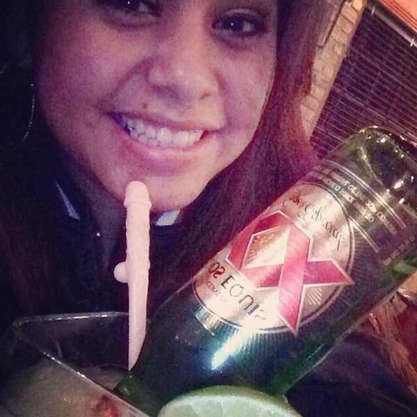 Photo taken at Mamacitas Mexican Restaurant by Roxy B. on 2/13/2014