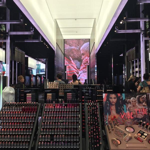 Photo taken at MAC Cosmetics by Виктория А. on 6/9/2016