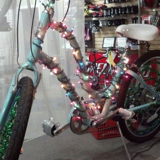 Снимок сделан в Village Bikes пользователем Minderella 12/18/2013