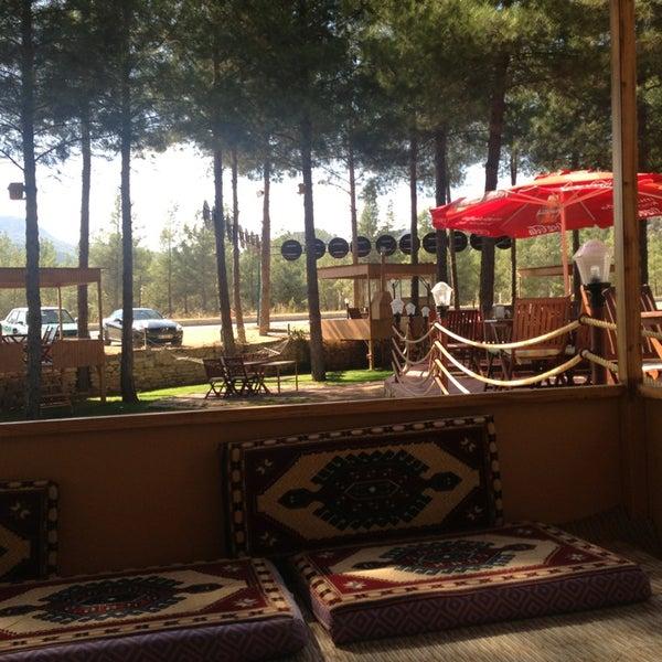 9/18/2013 tarihinde Mehmet D.ziyaretçi tarafından Koçlar Restaurant ve Dinlenme Tesisi'de çekilen fotoğraf