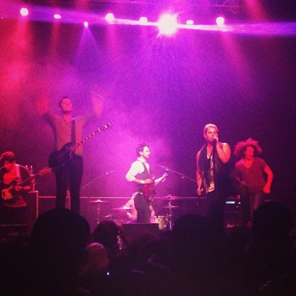 รูปภาพถ่ายที่ Summit Music Hall โดย 🎯Eric💀 . เมื่อ 3/23/2013